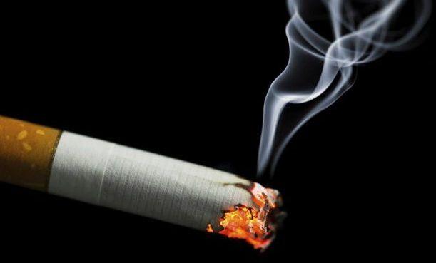 صورة التخلص من سواد الشفايف للمدخنين خلطات لسواد الشفايف , اسرع الطرق لتبيض الشفاه