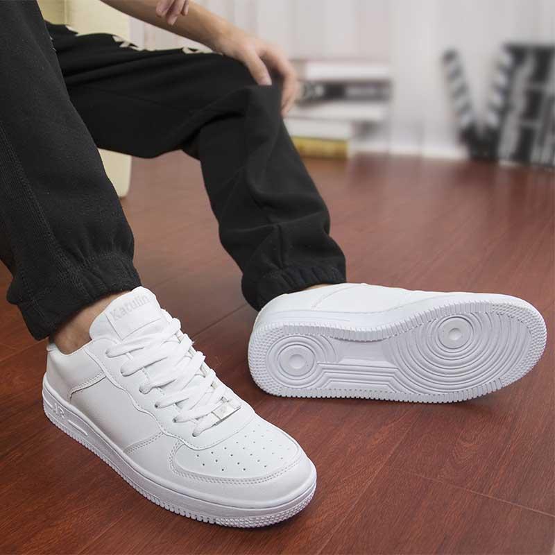 صورة الحذاء الابيض في الحلم , تفسير حلم الحذاء الابيض