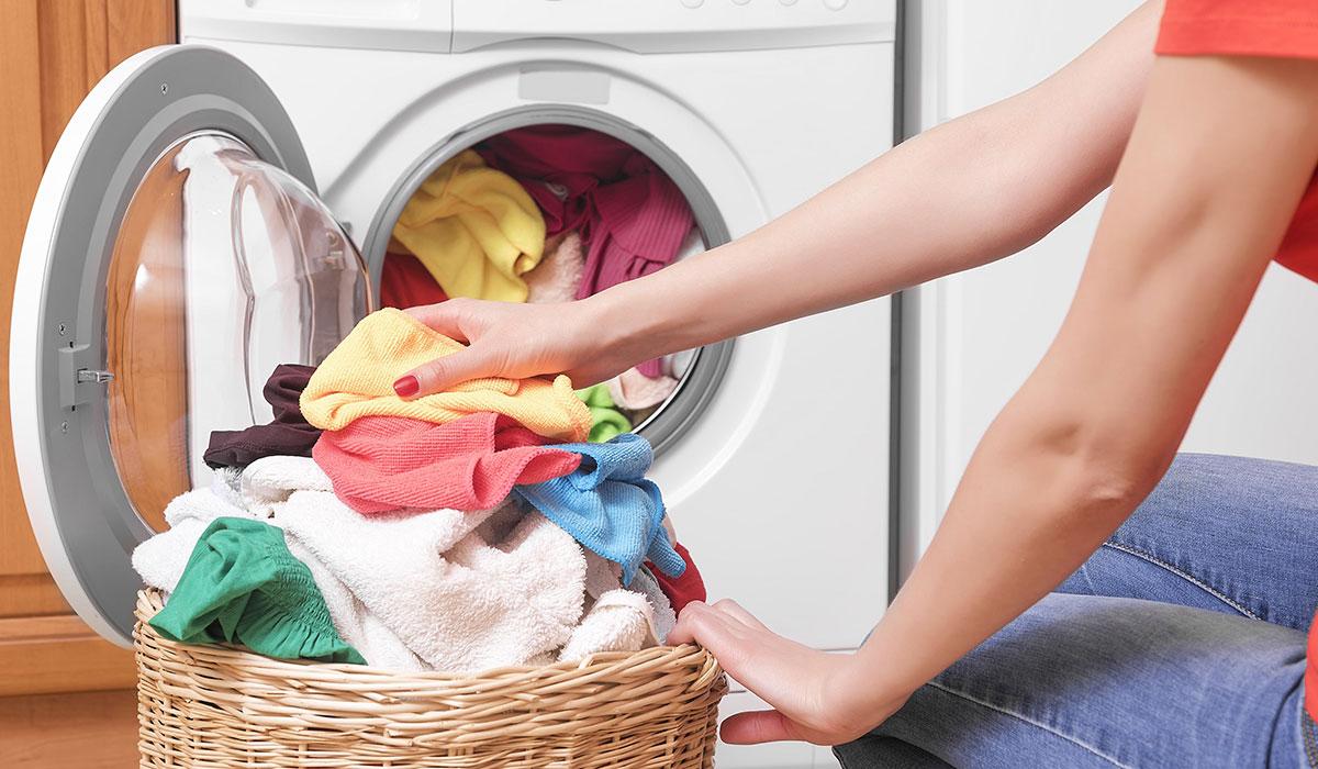 صورة كيف اغسل الملابس البيضاء , طريقة غسل الملابس البيضاء