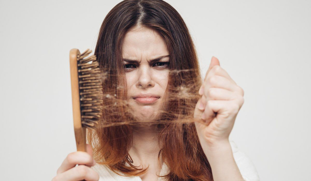 صور سقوط الشعر من الجذور , اسباب سقوط الشعر من الجذور