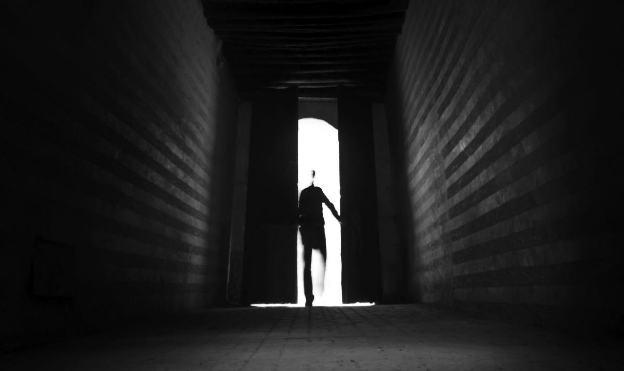 صورة الهروب في المنام لابن سيرين , تفسير رؤية الهروب في الحلم لابن سيرين