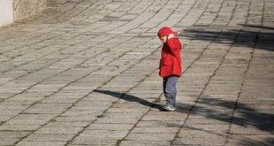 صور رؤية طفل ضائع في المنام , تفسير حلم صغير تائه